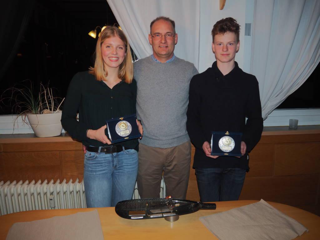 Udo Pütz übergab den Vereinsmeistern den Klaus-Hausmann-Gedächtnispreis